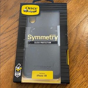 Otter box iPhone XR symmetry sleek